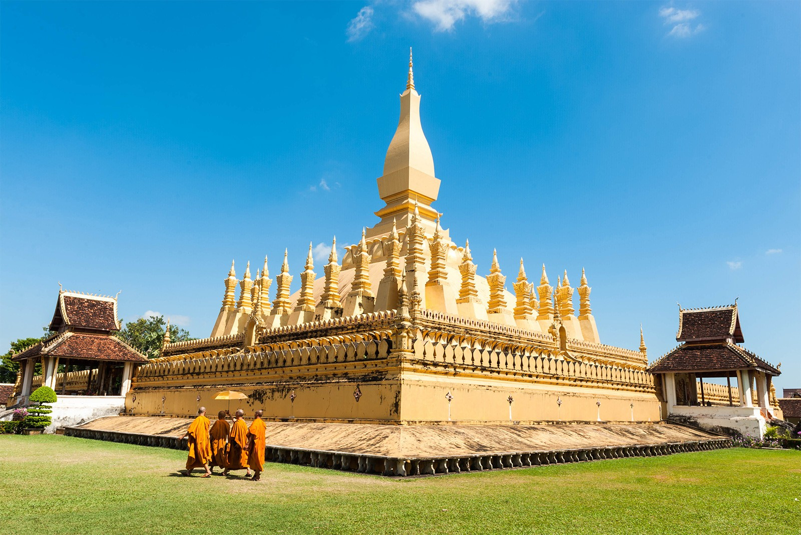 temple-Pha-That-Luang-Laos.jpg